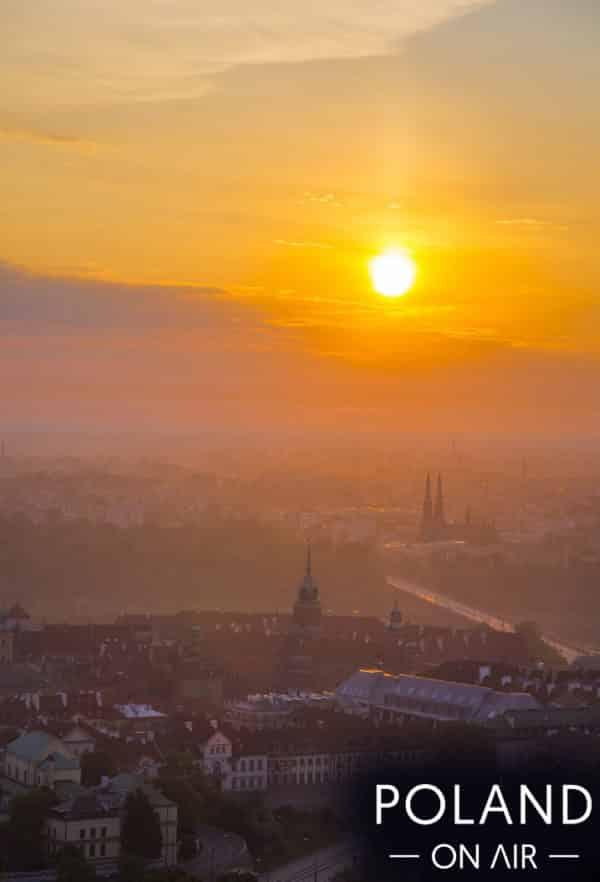 wschód słońca nad zamkiem królewskim