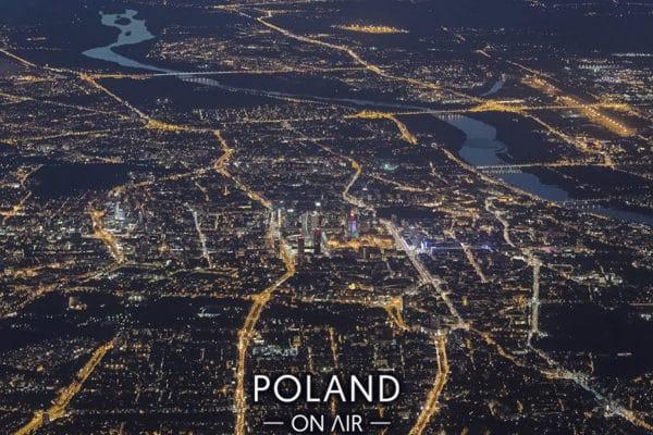 Warszawa nocą z lotu ptaka widziana 3km