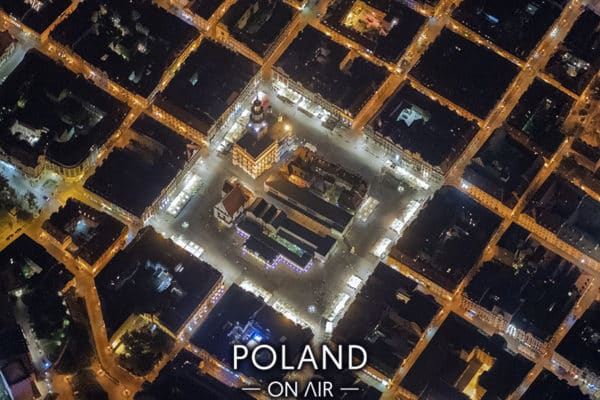 Rynek w Poznaniu nocą