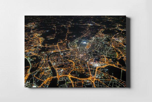 Kraków On Air nocą 3km nad ziemią - fotoobraz z kolekcji POLAND ON AIR