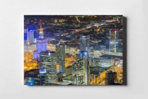 Warszawskie wieżowce nocą – fotoobraz na płótnie z kolekcji WARSAW ON AIR!