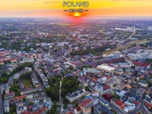 Bielsko-Biała z lotu ptaka. Zachód słońca nad centrum – fotoobraz na płótnie
