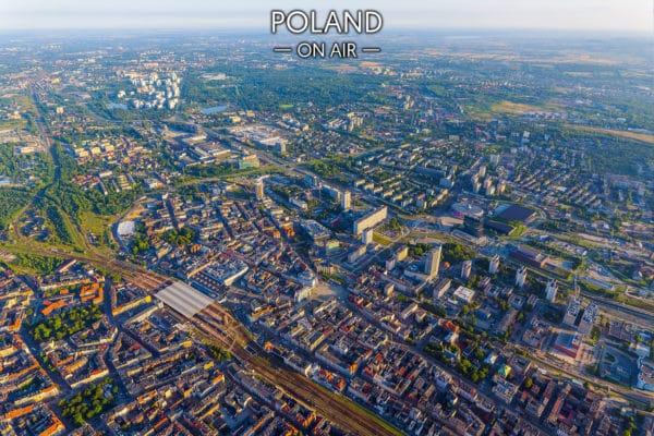 Katowice z lotu ptaka latem – fotoobraz na płótnie z kolekcji SILESIA ON AIR