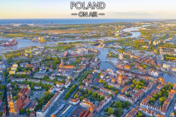 Gdańsk z lotu ptaka centrum w kolorach zachodzącego słońca fotoobraz